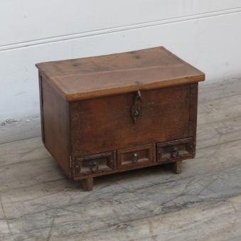 Snart i lager: gammal kista