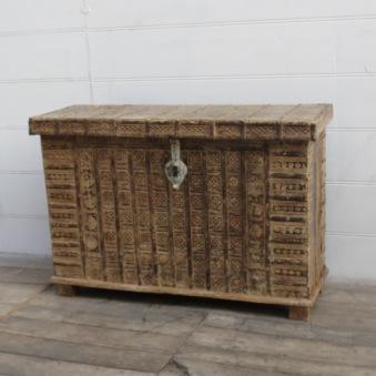 Antik Kista Med Järnbeslag