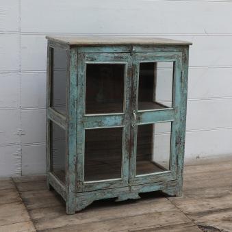 Fint Gammalt Vintageskåp Med Glas Sidor