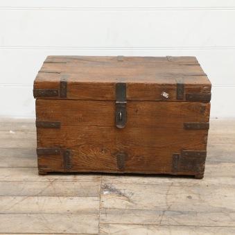 Handgjord Indisk Kista