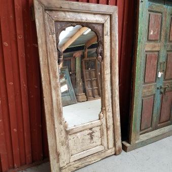 Ljuvlig spegel