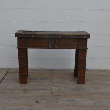 Side bord vitt eller brunt