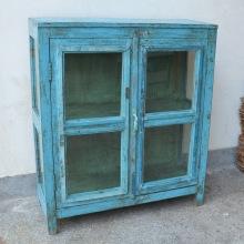 Blått vintage skåp