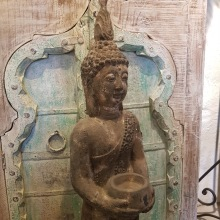 Stående Buddha