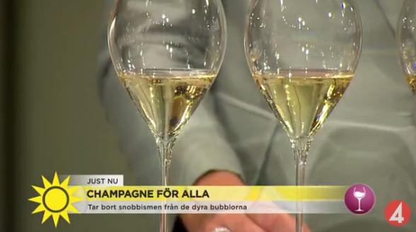 I inslaget bjöd man även på en champagneprovning.