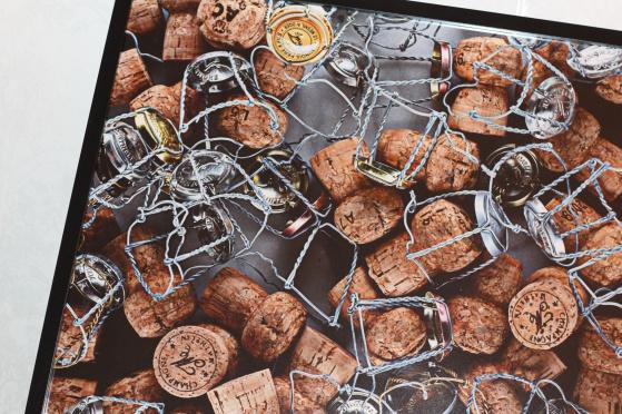 UNE VIE DE CHAMPAGNE (högblankt fotopapper, format: 70 x 50 cm och 40 x 30 cm). Ett liv med champagne.