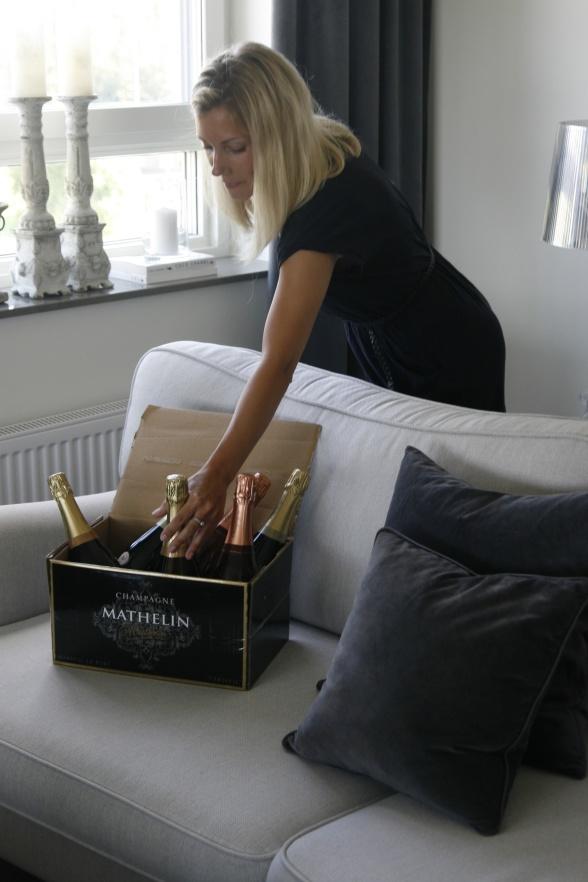 På bild vår Bonneboxlåda 1 med 3 olika sorters Champagne Matehlin.