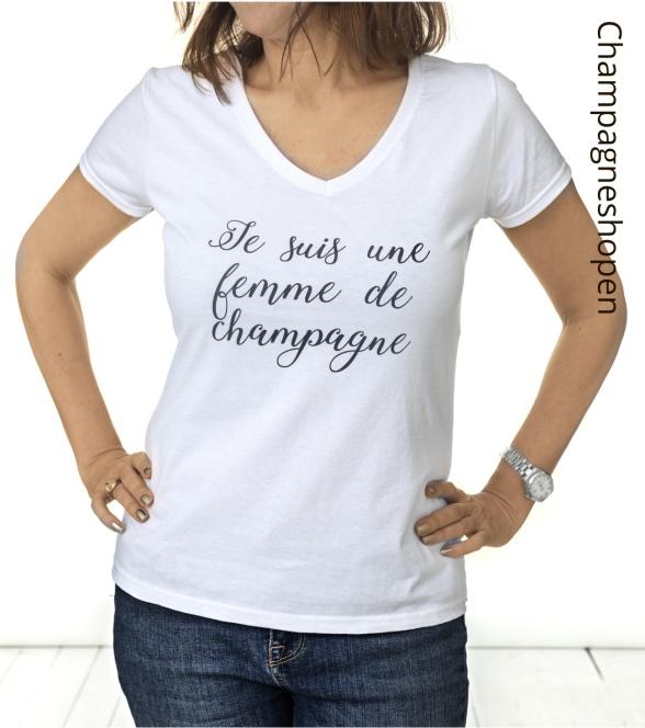 Vit champagne t-shirt med texten Je suis une femme de champagne.