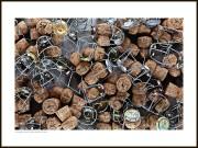 Champagne tavla – Champagnekorkar och -grimmor