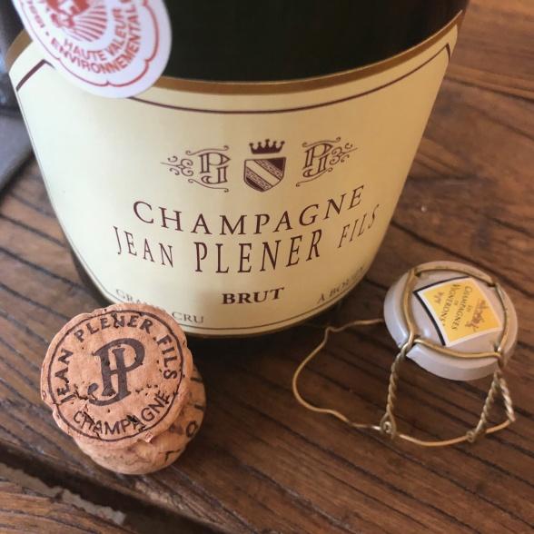 Vi kunde inte låta bli att öppna en flaska Plener GC Brut i helgen med goda vännar. Så god!