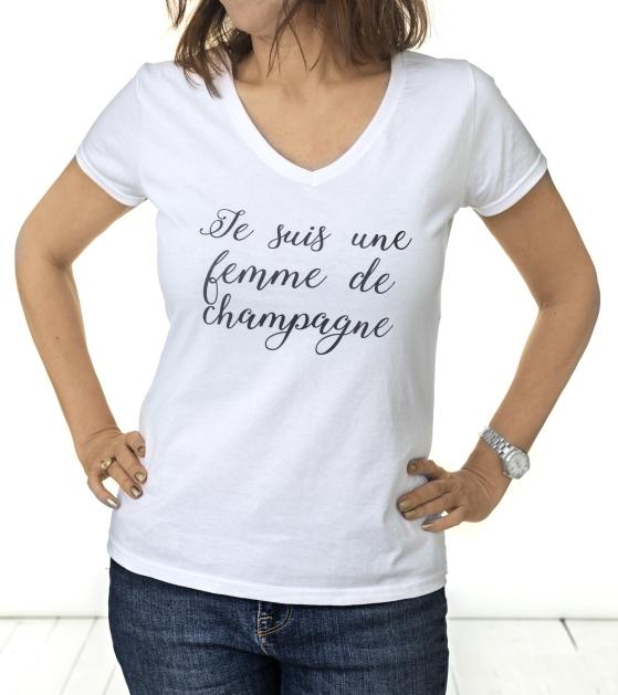 Champagne t-shirt för den champagneälskande kvinnan. Cool, feminin och skön!