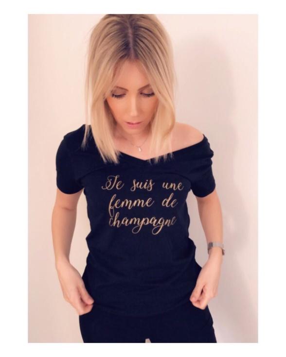 Champagne t-shirt i svart med guldtext