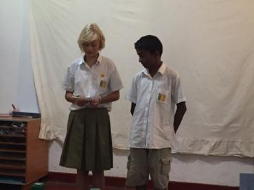 Stina och Binu(från Canada) berättar om helgens camp.