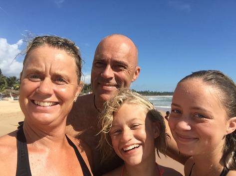 Såhär glad är man på stranden i Hikkaduwa!!!