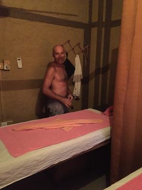 Ubbe laddar för en massage!