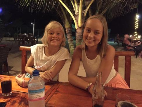 Lördagskväll med tjejerna på Harbour!