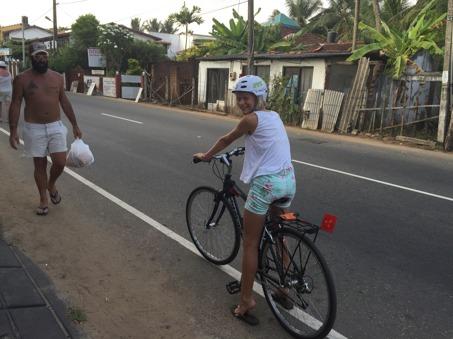 Övningskörning med 21-växlad cykel enbart med handbroms!
