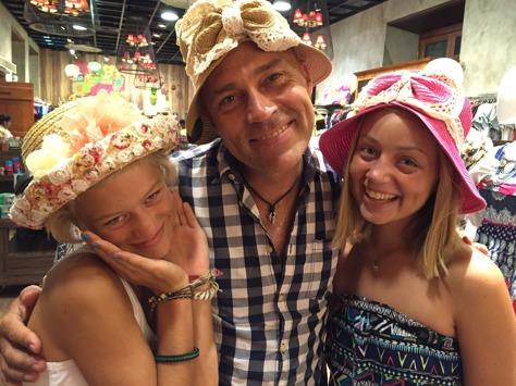 Äntligen lite shopping! Nu blev det ingen hatt denna gång, annars tyckte jag att Ubbes hatt  var väldigt fin;)