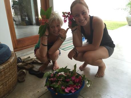 Vilka söta blomsterflickor!