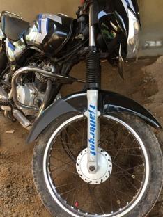 Lite oväntat klistermärke på en lankesisk motorcykel...Fjällbrynt!
