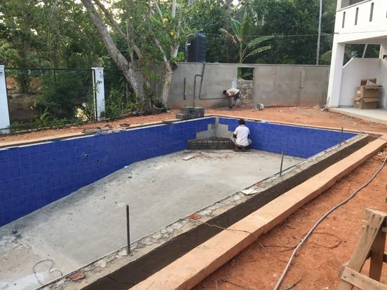 En snart riktigt inbjudande pool!