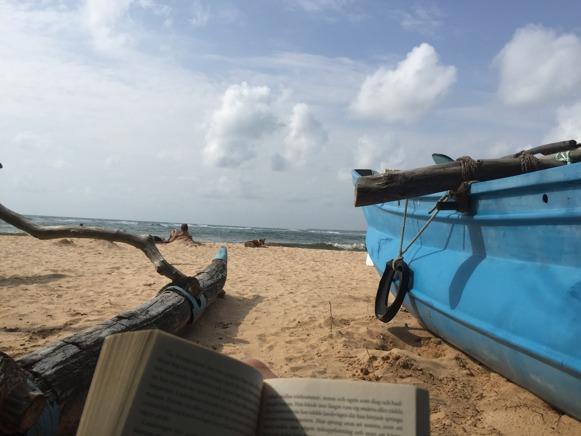 En stund för sig själv i solen med en bok, liksom balsam för själen...