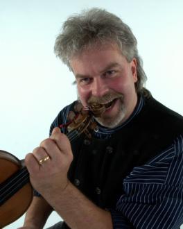Brits Lars Björk, fiol