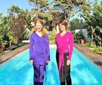 Lovisa och Marianne hälsar välkomna till Yogaretreat för ledare på Sicilien!