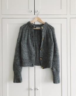 Petite Knit mönster - PetiteKnit Sunday Cardigan (XS-XXL)