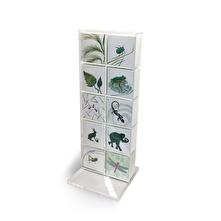 Bordsställ i plexi för 10 motiv med små dubbla kort med hål för snöre. Art nr 261