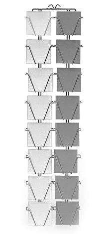 Väggställ i inplastad metall (vit) för 16 stora dubbla kort med kuvert. Art nr 263