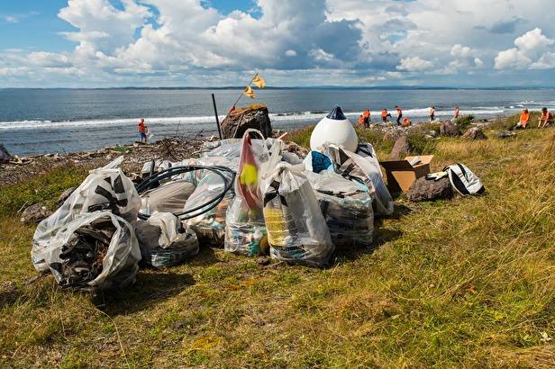 Hele 25 kubikkmeter med søppel ble samlet inn under ryddeaksjonen på Rauer.