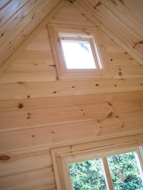 Paket A, 1 190 € - Wand- und Deckenpaneele, Fenster- und Türverkleidung. Massiver Holzfußboden - Lektema Spielhäuser