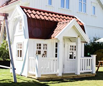 Djursholm Large. En av våra populärare modeller. Här målad i äggskalsvit och med rött tak.