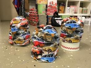 VW bilar  trikåmössor - Folkvagnar ofodrade, stl liten vuxen