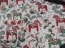 Leksand mini  dalahäst tyg 9 olika färger - Leksand mini röd och gröna hästar 1m