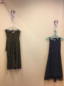 Prickiga klänningar - H&R svart stl XS