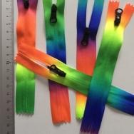 Dragkedja regnbåge 16 cm