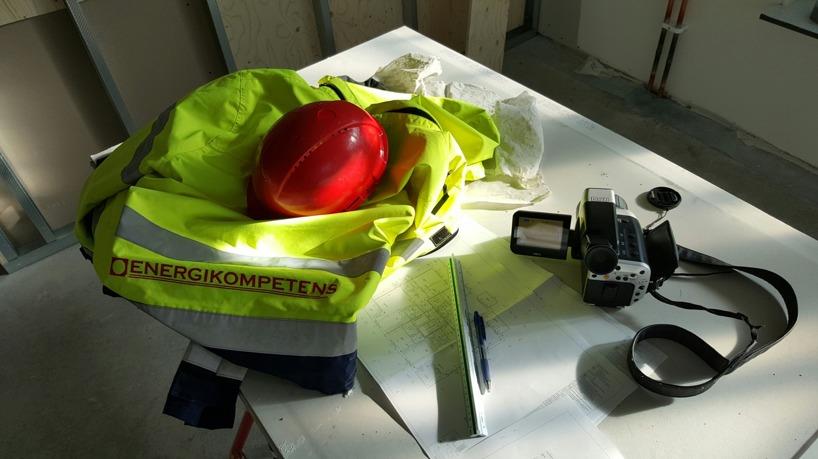 Utrustning vid värmefotografering (termografi) vid nyproduktion av lägenheter.