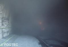 Branden är under kontroll och brandmännen kan riskfritt gå in och släcka glödbränder.