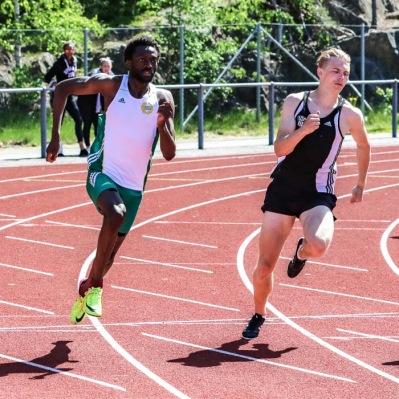 Dennis Otieno - 200 meter - 2:a - 21,72