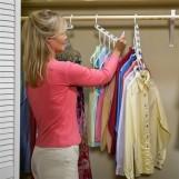 Öka garderobens utrymme med smart klädhängare!