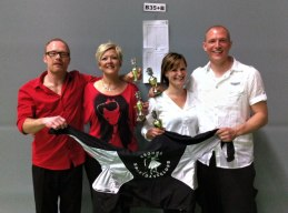 Andreas och Carita, Caroline och David tog varsin pallplats i Enköping!  De röda en 3:e plats och de vita en 2:a plats!