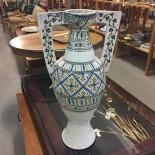 Större keramikvas med hänklar