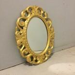 Liten spegel med träram