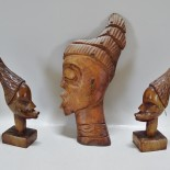 Relief samt skulpturer, träsnidade, Afrika