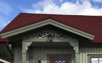 Snickarglädje och dekoration till verandan, farstukvisten, hela huset och villan. Måttanpassade konsoler, staket och räcken med snickarglädje. Du hittar gammaldags träräcke att köpa, trästaket med de