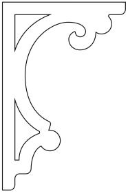 Gaveldekor konsol 022 stående. Köp Snickarglädje och dekoration till verandan, farstukvisten, hela huset och villan. Måttanpassade konsoler, staket och räcken med snickarglädje. Du hittar gammaldags träräcke att köpa, trästaket med detaljer, mönster, ornament, dekoration för huset, snideri, träsnideri och snickarglädje med krusiduller och krumelurer till farstukvist och veranda samt dekor till taket och vindskivorna. Nockdekor och gavelornament. Dekoration till fönster och överliggare med dekorativt fönsterfoder. Prisvärt, svensktillverkat och snabb leverans.