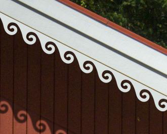Windbrett 001. Dachschmuck, Dachbrett, decke dekor, Dachdekor, Dachdekoration, Dachgaubendekor, Dachgaubenschmuck, frills, Dachgaubenzierleiste, Giebelgaubenschmuck, Dachschmuck, Dachterrasse, Dachtraufe, Dachverzierung, Dachüberstand, Hausschmuck, Dachzierleiste, Giebeldekoration, Giebelornament, Giebelschmuck, Giebelverzierung, Hausdekoration, Holzmuster, Hausschmuck, Holzbrüstung, Holzelement, Holzfassade, Holzgeländer, Holzhaus, Holzmuster, Holzornament, Holzpfahl, Holzpfosten, Holzreling, , ornament,, Holzschnörkel, Holzveranda, Holzverzierung, Holzzaun, Schnitzereien, Holzzäune, Landhaus, Landhausstil, Schmuck, Schmücken, verschnörkelt, Schnitzen, Schnitzerei, Schnörkel, Schwedenhaus, Schwedenhausstil, Verschnörkeln, Verschnörkelt, Verschnörkelung, Verschönern, Verschönerung, Verzieren, Verziert, Verzierung, Windbrettdekoration, Windbrettornament, Windbrettschnitzerei, Windbrettverzierung, Zimmerei, Schwedische Häuser