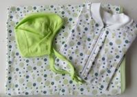 Babypaket/Gröna bubblor - Babyfilt, Pyjamas, Hjälmmössa
